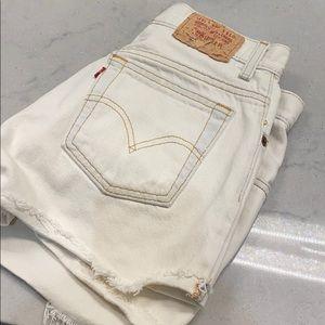 Levi's Shorts - Levi's white denim shorts